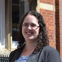 Stephanie Gates LLB (Hons) TEP